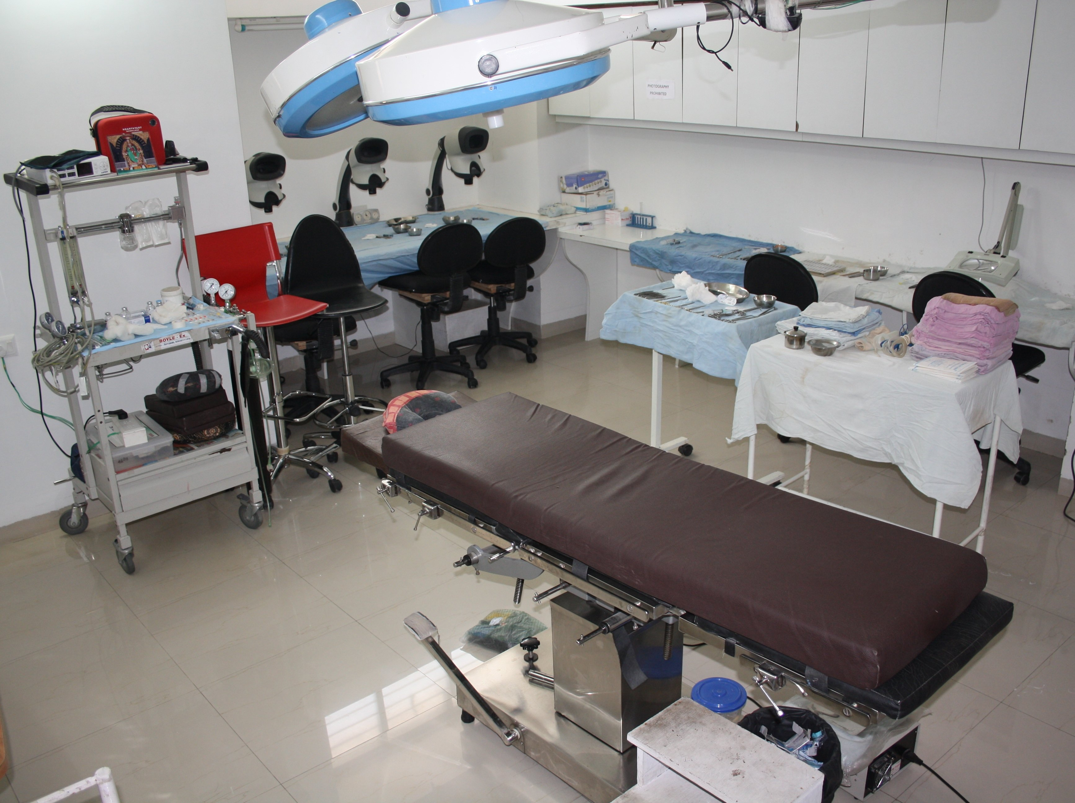 Hair Transplant Equipment Room