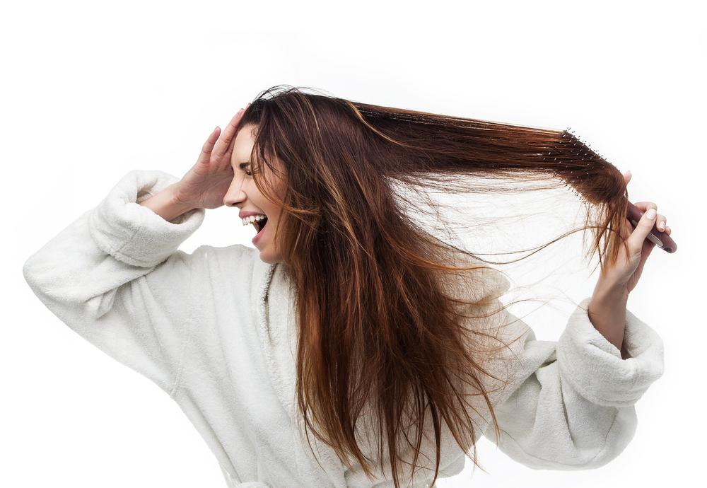 Provoca cabello opaco